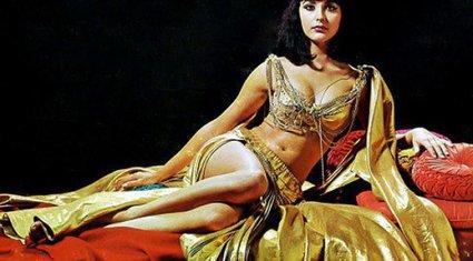 """Nữ hoàng Ai Cập ham sắc dục và độc chiêu khiến đàn ông """"say như điếu đổ"""""""