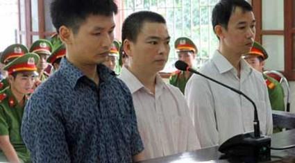 Vụ sập cầu treo Chu Va 6: Ba bị cáo lĩnh án 23 năm tù