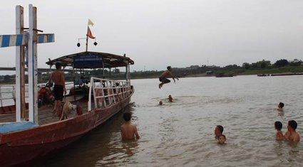 Ẩn họa đuối nước trên dòng sông Lô