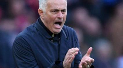 M.U thua Chelsea, HLV Jose Mourinho sẽ bị sa thải?