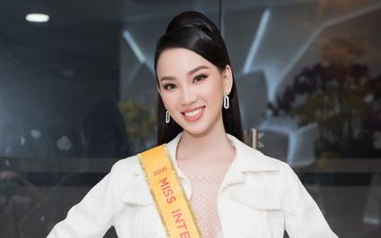 Người đẹp Ái Nhi rạng rỡ lên đường sang Ai Cập thi Miss Intercontinental 2021