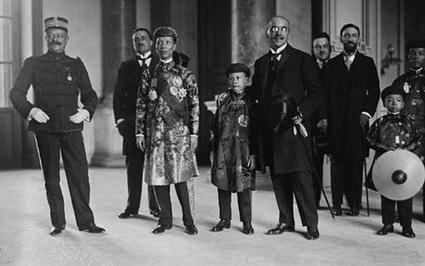 """Vị vua Việt bị bố vợ gọi là """"đồ bất lực vô hậu"""" là ai?"""
