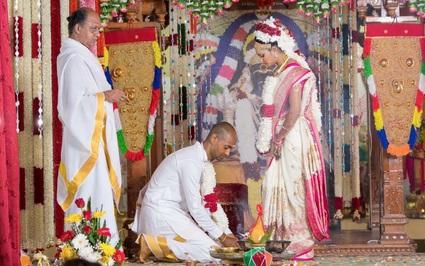 Ấn Độ: Độc đáo với nghi thức này dành cho cô dâu tại đám cưới