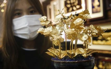Sản phẩm dát vàng cực độc và đắt hút khách trước ngày Phụ nữ Việt Nam 20/10