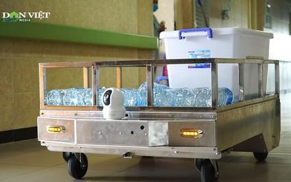 Video: Robot thay tình nguyện viên giao nhu yếu phẩm cho bệnh nhân tại khu cách ly và bệnh viện