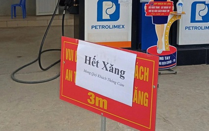 """Quế Phong (Nghệ An): Trước thông tin xăng tăng giá, nhiều cửa hàng treo biển """"hết hàng"""""""