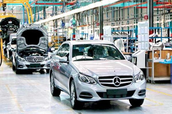 """Giảm 50% phí trước bạ xe sản xuất trong nước, giá ô tô nhập khẩu vẫn """"bất động"""""""