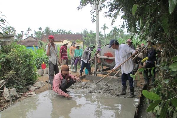 Quảng Ngãi: Nông dân xung kích trong xây dựng NTM