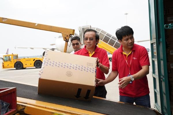 Mưa lũ miền Trung: Hàng không miễn phí vận chuyển hàng hoá tới các tỉnh miền Trung