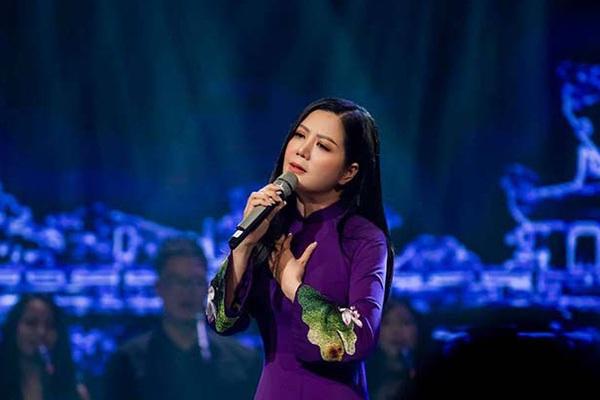 Đinh Hiền Anh tổ chức đêm nhạc quyên góp ủng hộ đồng bào vùng lũ miền Trung
