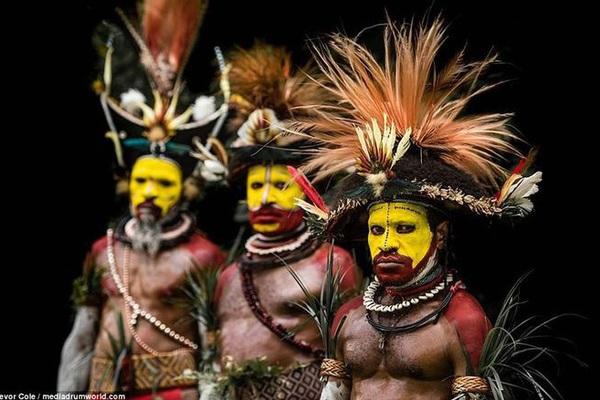 Bộ lạc bí hiểm và những tập tục kinh dị và ớn lạnh ở Papua New Guinea