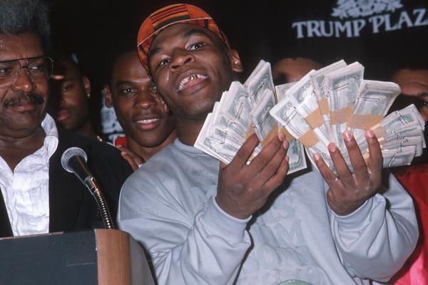 Sự thật thú vị: Mike Tyson từng giàu có như thế nào?
