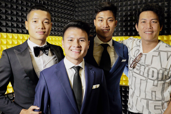 Quang Hải, Đoàn Văn Hậu, Duy Mạnh khoe giọng cực chất hát về miền Trung