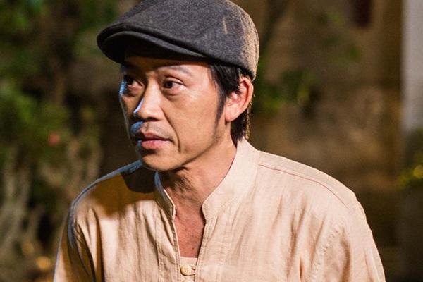 """HOT showbiz: Bị nói """"chỉ giỏi kêu gọi"""", NSƯT Hoài Linh đáp trả sâu cay và số tiền """"siêu khủng"""" giúp miền Trung"""
