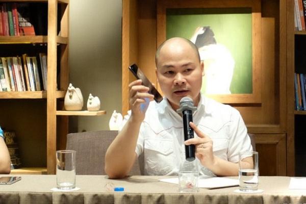 """CEO Bkav Nguyễn Tử Quảng: Bphone """"bảo vệ môi trường"""" khác với Apple, iPhone"""