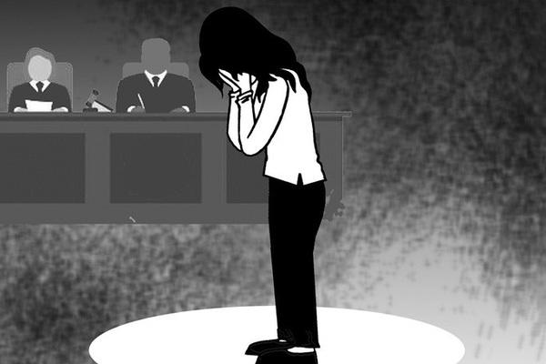 Phiên tòa ly hôn hy hữu