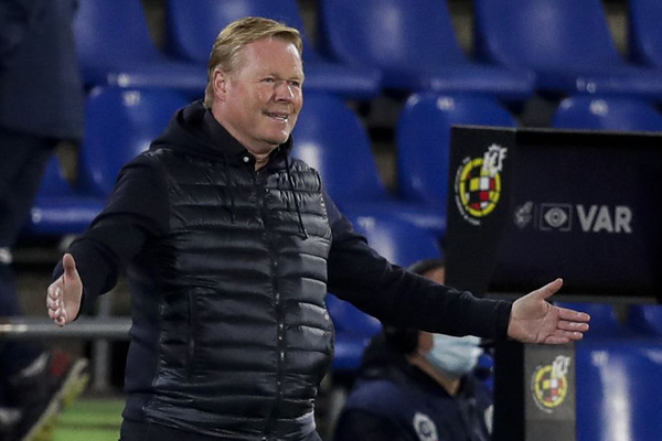 Barca thua đau Real Madrid, HLV Koeman đổ hết tội cho trọng tài VAR
