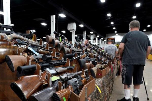 Kinh hãi với số lượng súng người dân Mỹ sở hữu mỗi năm