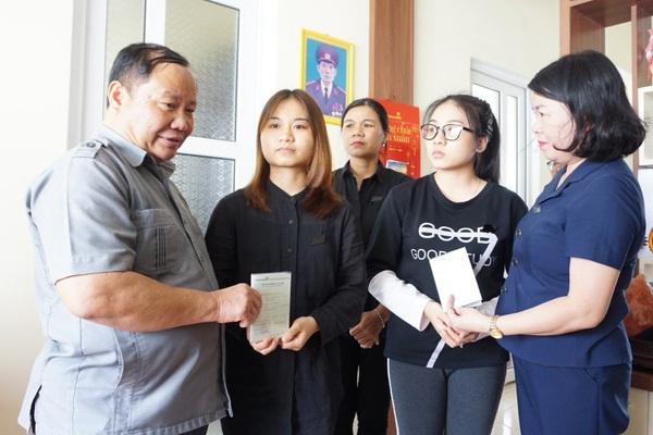 TT-Huế: Đoàn công tác Hội Nông dân Việt Nam thăm, hỗ trợ nông dân thiệt hại do bão lũ