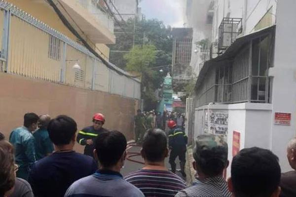 Người phụ nữ tử vong trong căn nhà bốc cháy ở TP.HCM