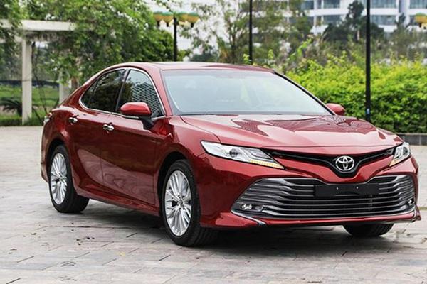 """Đây là lý do vì sao Toyota Camry trở thành một """"tượng đài"""" ở thị trường Việt"""