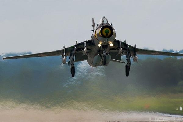 """Bất ngờ ngày lên trời của """"anh cả"""" tiêm kích-bom Su-22 Việt Nam"""