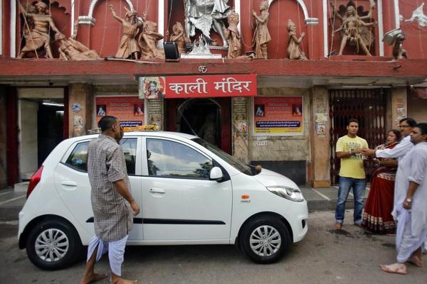 """Vì sao ô tô Ấn Độ có giá """"siêu rẻ"""", chỉ bằng xe máy SH ở Việt Nam?"""