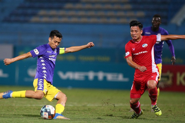 """Hòa Hà Nội FC, CLB Viettel nhận tin buồn về """"nhạc trưởng"""""""