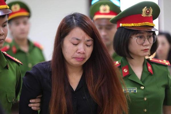 Kẻ bắt cóc bé trai khóc nấc sau khi lĩnh án 5 năm tù giam