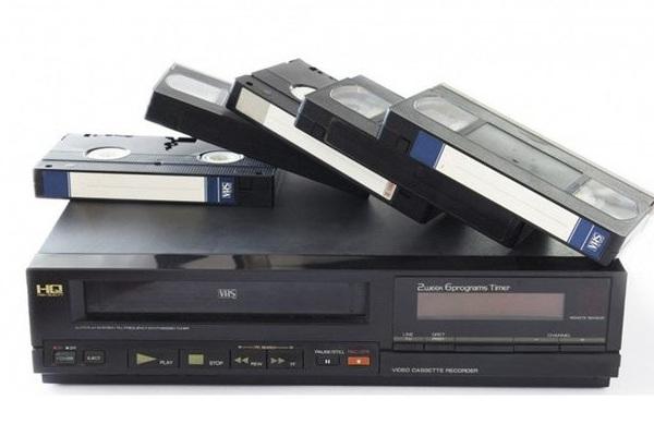 Công nghệ thế hệ 8x, 9x đời đầu: Đầu băng video, tivi đen trắng