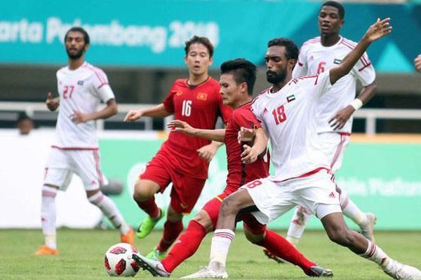 Tin tối (31/10): Quyết vượt ĐT Việt Nam, UAE chơi trội khó tin