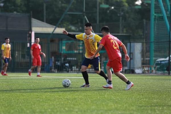 7 ngôi sao lấp lánh tại vòng bảng giải bóng đá báo NTNN/Dân Việt 2020