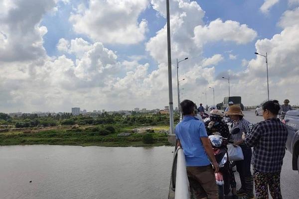 Hải Dương: Tìm thấy thi thể nam thanh niên nhảy cầu Hàn tự tử