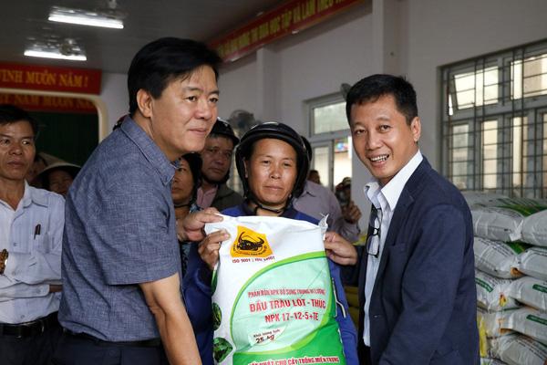 Bao lúa nghĩa tình sát cánh cùng nông dân Việt