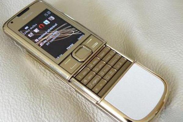 """Khi điện thoại Nokia mạ vàng được các doanh nhân Việt """"săn lùng"""""""