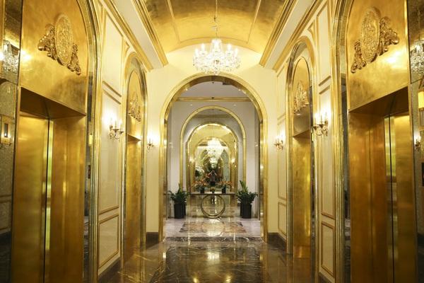 Cận cảnh khách sạn 6 sao đạt kỷ lục dát nhiều vàng 24k nhất thế giới tại Hà Nội