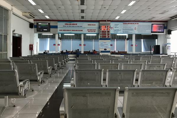Mở bán vé tàu Tết Tân Sửu đợt 2: Bất ngờ ga Sài Gòn vắng hoe, không xếp hàng, chen lấn
