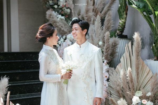 Công Phượng - Viên Minh sắp tổ chức tiệc cưới thứ 3 ở... sân bóng xóm