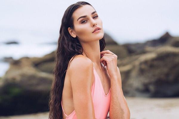 Tân Hoa hậu Trái đất 2020 không được trao vương miện trong giây phút đăng quang