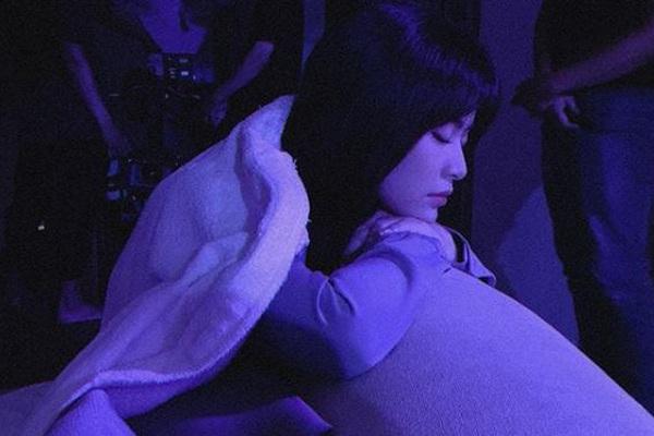 """Hoàng Thùy Linh kể lại hành trình """"bầm dập"""" trong showbiz đến kiệt sức"""