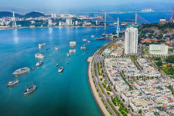 Con đường bao biển nghìn tỷ tuyệt đẹp bên vịnh Hạ Long