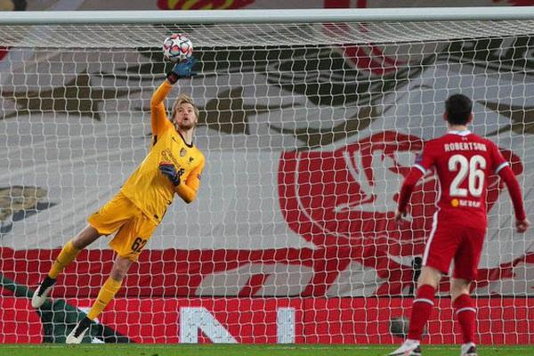 """Liverpool vượt qua vòng bảng, """"lũ trẻ"""" của Klopp nhận """"mưa lời khen"""""""