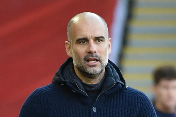 """Man City """"giúp"""" Porto đi tiếp, HLV Guardiola nhắc tới """"sự giả tạo"""""""