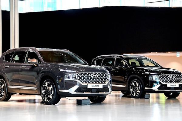 Hyundai Santafe 2021 về Việt Nam, giá chỉ từ 617 triệu đồng
