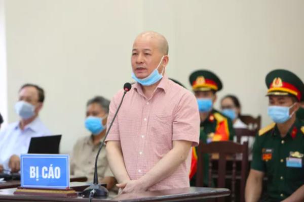 """Xét xử cựu thứ trưởng Nguyễn Văn Hiến: Cậu cháu Út """"trọc"""" Đinh Ngọc Hệ đổ lỗi cho nhau"""