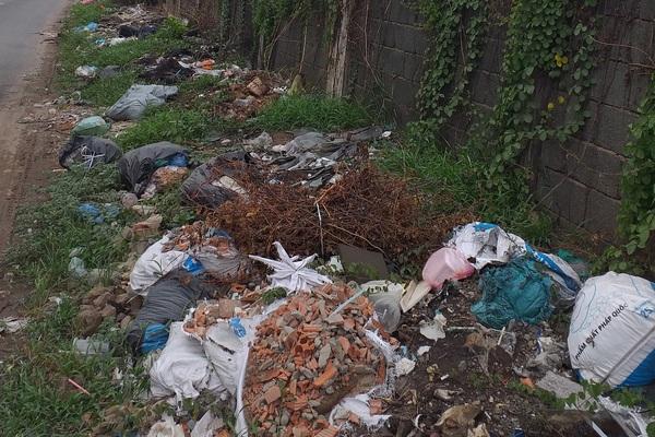 Làm báo cùng Dân Việt: Con đường nhếch nhác và ô nhiễm
