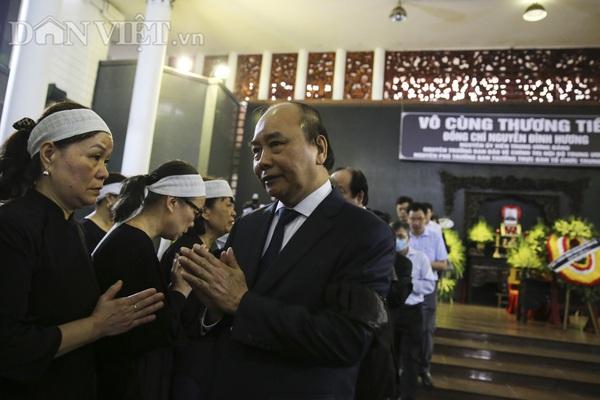Thủ tướng đến viếng, tiễn đưa ông Nguyễn Đình Hương