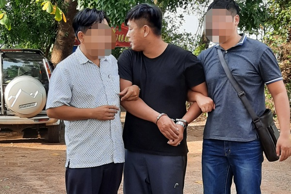 Bắt quả tang một cán bộ cảnh sát hình sự cưỡng đoạt 150 triệu đồng