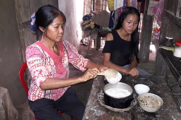 Hà Tĩnh: Xót cảnh mẹ đơn thân nuôi con trong căn nhà rách nát