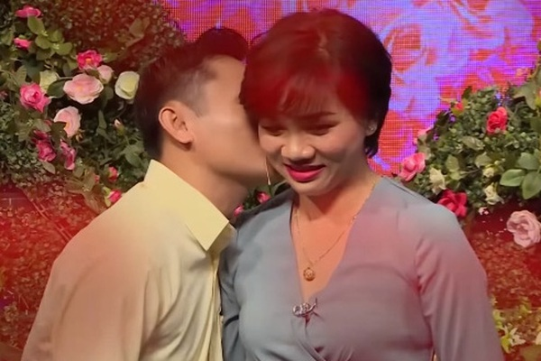 Bạn muốn hẹn hò: Mai mối nàng yêu gay 7 năm, Quyền Linh đòi test chàng trai ngay trên sân khấu